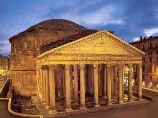 Пантеон (храм всех богов) в Риме.