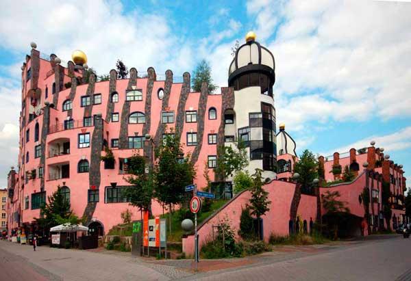 «Зеленая цитадель» немецкого архитектора Фриденсрайха Хундертвассера