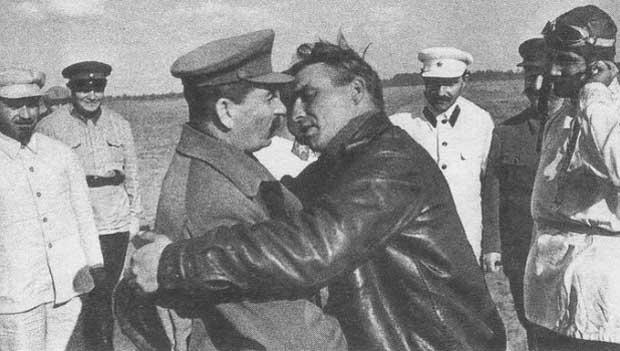 """""""Сталин был социопатом, но дураком не был..."""""""