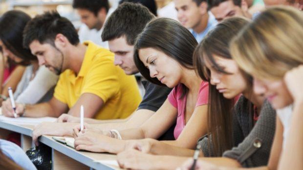Куда движется современное образование в России, и к чему готовиться будущим выпускникам?
